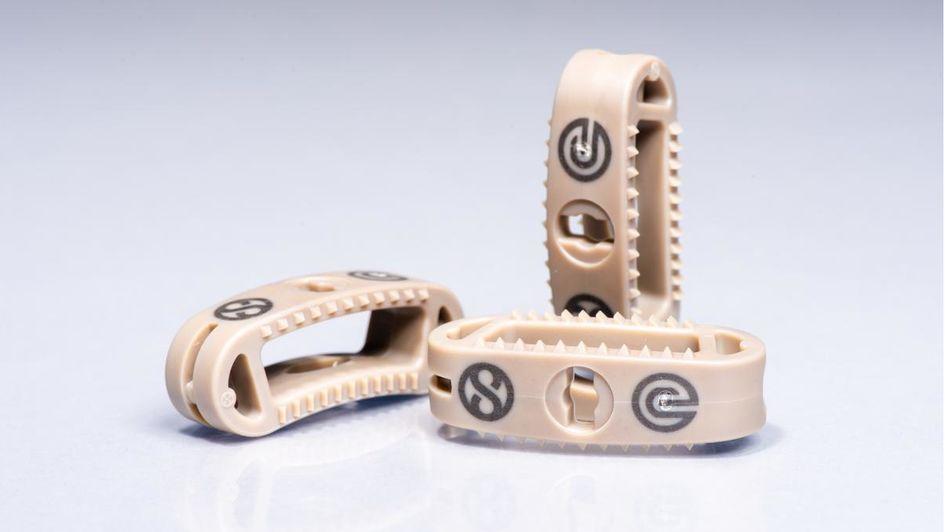 通过注塑成型生产的融合器原型展现了设计多样性。